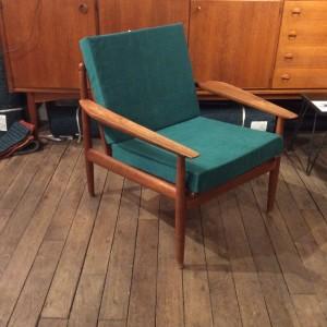 fauteuil_bois_ancien_vintage_design_scandinave_arne_vodder_tissu_casamance_vert_sapin_lartetlafacon_meubles_paris_batignolles_rue nollet
