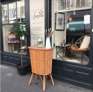 bar rotin fauteuil rotin vintage mobilier lart et lafacon paris batignolles brocante rue nollet