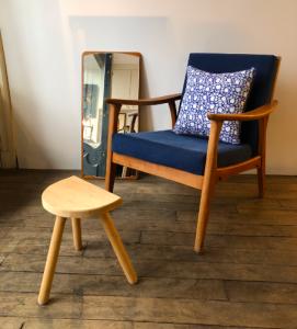 fauteuil scandinave midcentury 50s 60s coussin tissu indien lartetlafacon meuble vintage batignolles rue nollet decoration vintage antiquaire