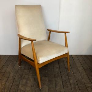 fauteuil vintage 50s tissu velours blanc annees50 sieges vintage paris lartetlafacon galerie batignolles 3:4