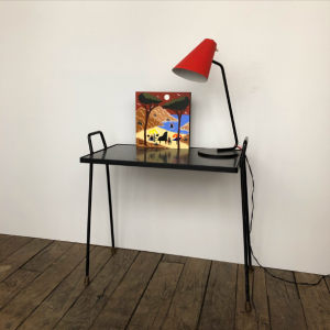 tablette noir galerie art peinture sur bois calanques marseille lampe cocotte rouge jacques biny vintage galerie art paris batignolles lartetlafaçon