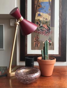 galerie parismarseille lampe a poser gongdesign batignolles